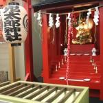 入口の近くには鬼太郎が祀られた鬼太郎神社がある。怖がりな人は最初にお参りしておきたい!