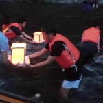 日航機墜落事故から34年、神流川で灯籠流し