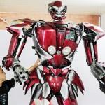 オートバイが大変身、「ロボット・ワン」登場