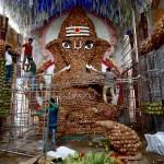 9000個のココナツで作られたヒンズー教の神様