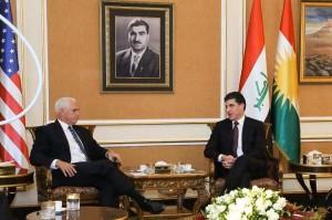 バルザニ議長(右)とペンス米副大統領