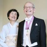 グスタフ国王から、吉野彰さんにメダル授与