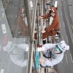 師走の東京で、チュー(子)イ(亥)して窓掃除