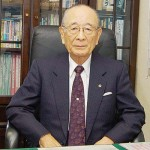 井上俊彌氏