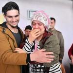 シリア人の大学生のオスマンさんが「英雄」に