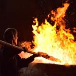 日本古来の製鉄法「たたら吹き」で火入れ式