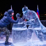 氷の「スーパーヒーロー」に腕相撲で挑戦