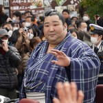 徳勝龍、地元の奈良で市民ら数千人の喝采