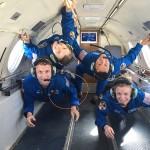 カナダ宇宙庁所属の航空機ダッソーファルコン20で急上昇、急降下を繰り返す重力軽減飛行訓練をした男女の宇宙飛行士候補ら=2018年2月