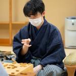 最年少、藤井聡太七段が棋聖奪取に王手をかける