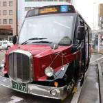 日本初の電気ボンネットバスの運行を始める