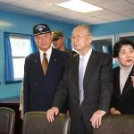 板門店を案内する故・白善燁氏(右から2人目)と、大串康夫・元空将(左から2人目)=2009年9月、韓国・板門店、本人提供