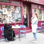 英国で飲食店やホテルなどのサービス業を再開
