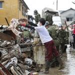熊本豪雨から1週間、仮設住宅の建設が始まる