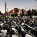 国際社会からトルコに非難する声が相次ぐ