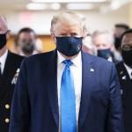 トランプ米大統領がマスク姿で公の場に初登場