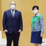 日本相撲協会の八角理事長が小池都知事を訪問