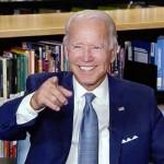 18日、米民主党全国大会で大統領候補に指名され笑顔を見せるバイデン前副大統領(民主党のインターネット中継動画より・AFP時事)