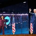 19日、米デラウェア州ウィルミントンからオンライン開催の民主党全国大会に参加したバイデン前副大統領(右)とカマラ・ハリス上院議員(AFP時事)