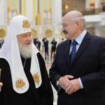 ルカシェンコ大統領とモスクワ総主教府のキリル1世(バチカンニュース8月26日、写真はANSA通信)