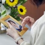 「どうして彼女が」、矢吹恵さんの同級生ら追悼