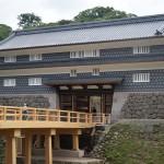 江戸時代のやぐら門「鼠多門」と橋を復元