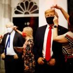 マスク姿で再開、身なりを整える米英首脳