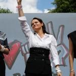 反体制派女性候補チハノフスカヤ氏の支持拡大