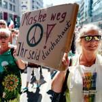 欧州で広がる反マスク、「自由の侵害」と反発