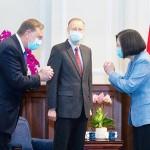 蔡英文台湾総統、アザー米厚生長官と会談