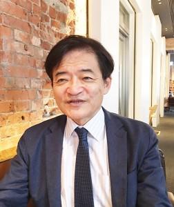 やわた・かずお 昭和26年滋賀県生まれ。東京大学法学部卒。通産省情報管理課長など歴任。徳島文理大学教授。国士舘大学客員教授。現在、作家・評論家として活躍。著書に『歴代天皇列伝』(PHP研究所)『政界名門一族の査定表』(宝島社)など多数。