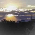 朝の光が雲の間から降り注ぐ瞬間(2018年7月27日、ウィーンで撮影)