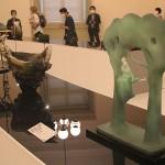 優れた伝統工芸品が一堂に、陶磁など82件展示