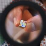 メガハウス、世界最小ルービックキューブ発売