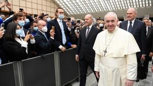 中国共産党政権との暫定合意の延長を考えるフランシスコ教皇(2020年9月28日、バチカンニュースの公式サイトから)