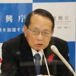 インタビューに答える平沢勝栄復興相=9日、東京