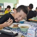 食べて応援、給食にブランド肉の「神戸ビーフ」