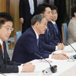 菅首相「産業構造や経済社会の発展につなげる」