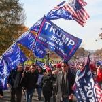 選挙盗むな、あと4年 米ワシントン、トランプ氏支持者がデモ