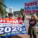 10月5日、ウォルター・リード米軍医療センター周辺に集まりトランプ氏再選を訴える人々