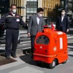 自動配送ロボット、時速2~3キロで公道走行