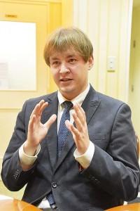 政治評論家 ナザレンコ・アンドリー氏