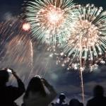 冬空を彩る花火に歓声、新型コロナ対策し実現