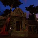 25タ・プローム遺跡とマリーナベイサンズ、どちらも東南アジアなのが共通点である