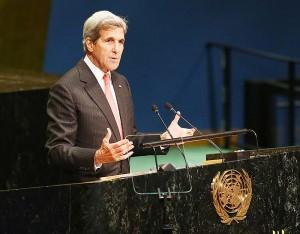 2016年9月、ニューヨークの国連本部で地球温暖化対策の国際枠組み「パリ協定」について講演した当時のジョン・ケリー米国務長官(UPI)