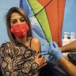 「少なくとも13人のイスラエル人がワクチン接種後、顔面麻痺状況となった」と報じるRT独語HPから(2021年1月17日、写真はドイツ通信)