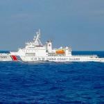 中国海警局の船艇=2016年11月、沖縄県・尖閣諸島近海(AFP時事)