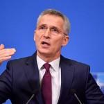 2020年2月11日、ブリュッセルで、記者会見する北大西洋条約機構(NATO)のストルテンベルグ事務総長(AFP時事)