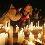6434本のろうそくで犠牲者を追悼する集い