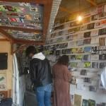 国頭村辺士名の狭い空き家を利用したアートブック「ZINE」の展示